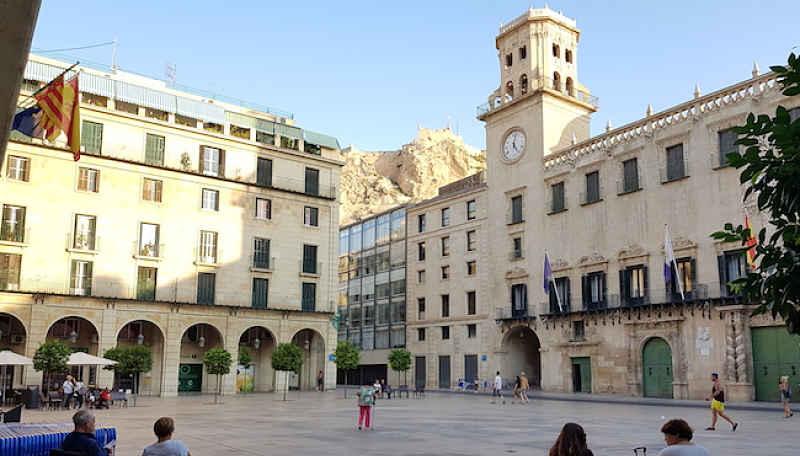 Visitar el ayuntamiento de Alicante