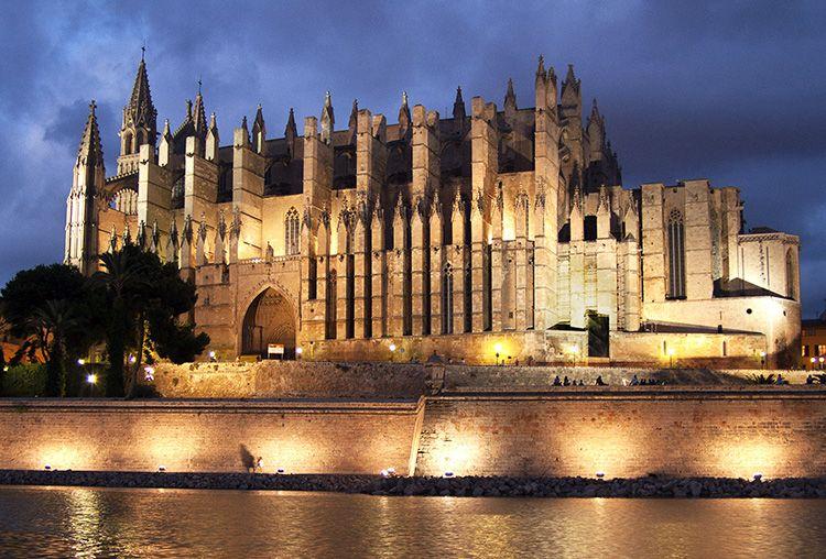 Visitar Catedral de Palma de Mallorca en tu escapada