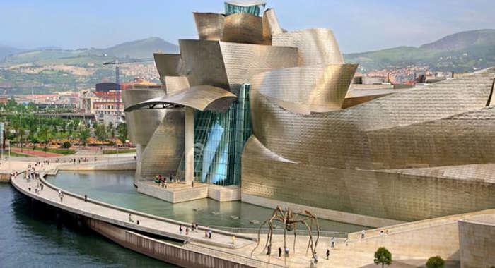 Disfruta del Museo Guggenheim en tu escapada barata a Bilbao