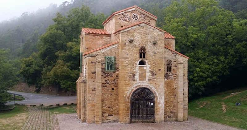 San Miguel de Lillo en tu escapada a Oviedo