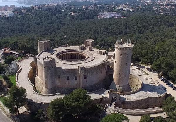Castillo de Bellver en tu escapada a la isla de Mallorca